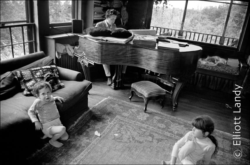 Bob Dylan with his children Jesse and Maria Dylan, Byrdcliffe home, Woodstock, NY, 1968. Photo By ©Elliott Landy, LandyVision Inc.